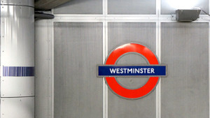 CV in inglese - Westminster tube station Londra